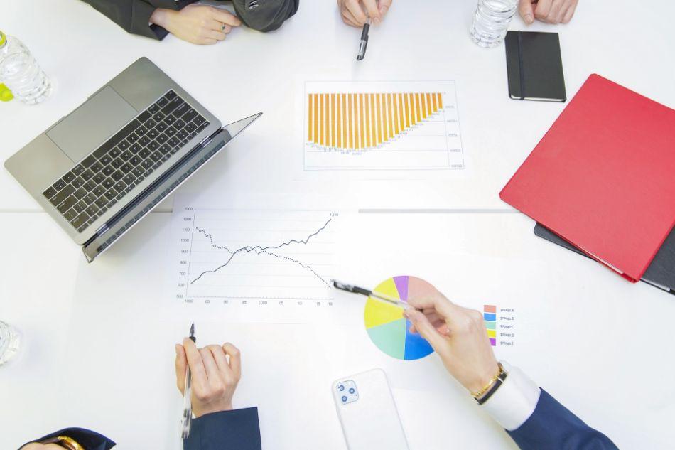 下請け中小企業と伸びているベンチャーの人材の集め方の違い